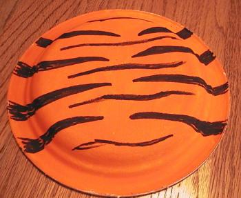 color stripes in & Tiger Paper Plate Craft