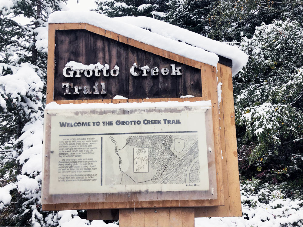 Grotto Creek trailhead sign