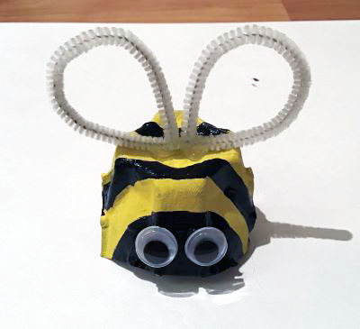 egg carton bumblebee craft